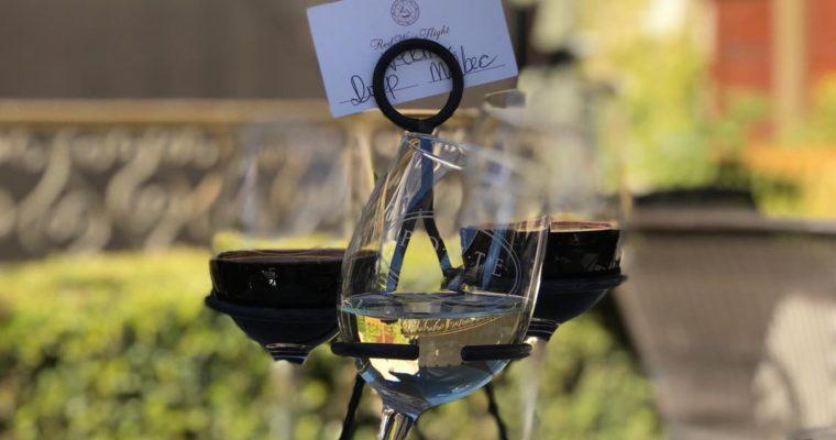 カリフォルニアの風に吹かれてワインフライトを楽しむ Ponte Winery